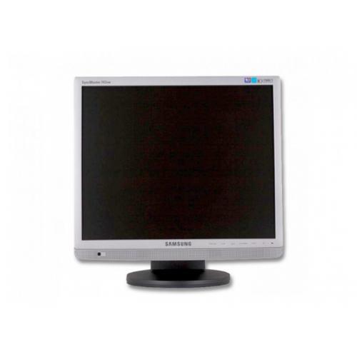 Samsung 743BM TFT 17 '' HD con Altavoces · 4:3 · Resolución 1280x1024 · Dot pitch 0.264 mm · Respuesta 25 ms · Contraste 500: